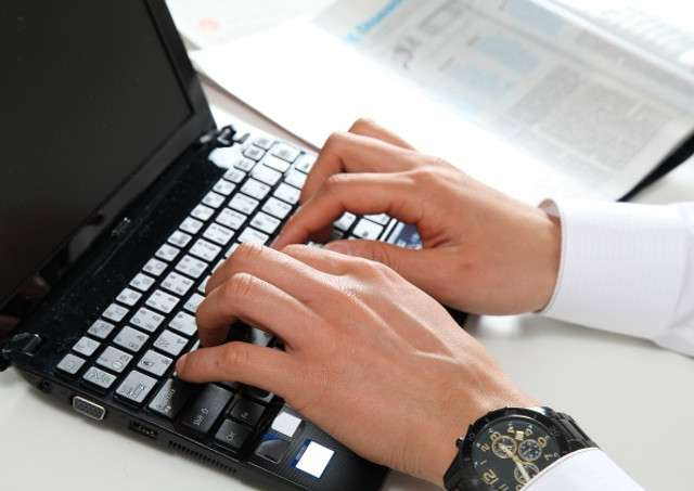 横浜のパソコントラブルは「横浜市の出張パソコン修理屋さん」にお任せ!ウィルス対策やインターネット・スピーカーの不具合などあらゆるトラブルに出張対応